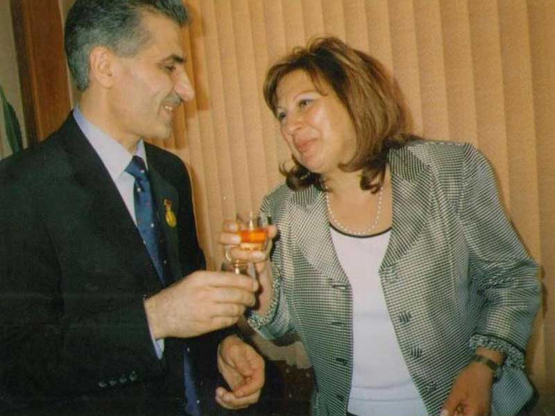 Տիկին Ն. Օսկանյանի հետ / С госпожой Н.Осканян / With Mrs. N. Oskanyan