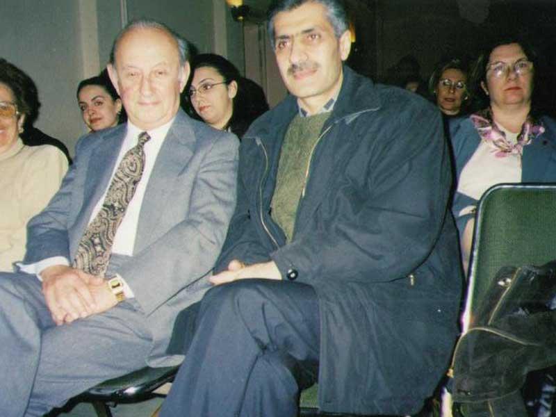 Ճանաչված գրող և հրապարակախոս Ռ. Հատտէճեանի հետ (գիտաժողով) / С известным писателем-публицистом Р. Аттечеаном (научный семинар) / With famous writer and speech -maker R. Hatechyan(summit)
