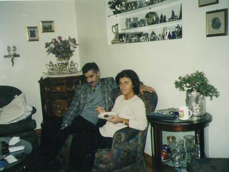 Մեր ընտանիքի բարեկամ Հայկան Դեմիրի հետ / С другом нашей семьи Айкан Демир. / With a friend of our family Haykan Demir.